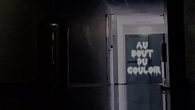 Au bout du couloir