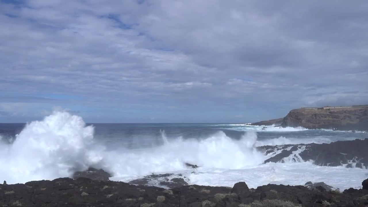 Once-a-Decade Waves Pound Tenerife's North Shore