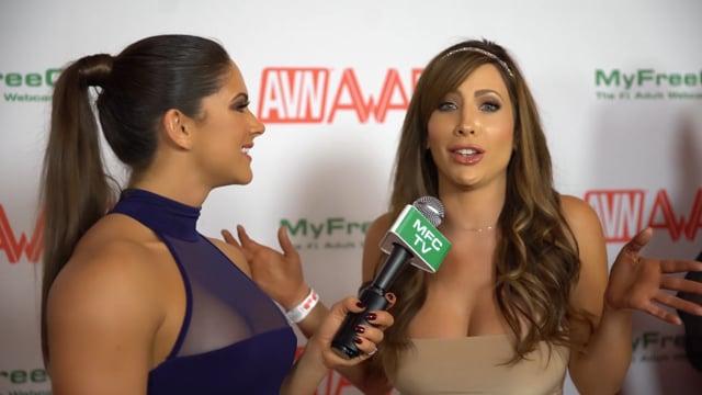 Aspen Rae entrevista las nominadas a los premios 2016