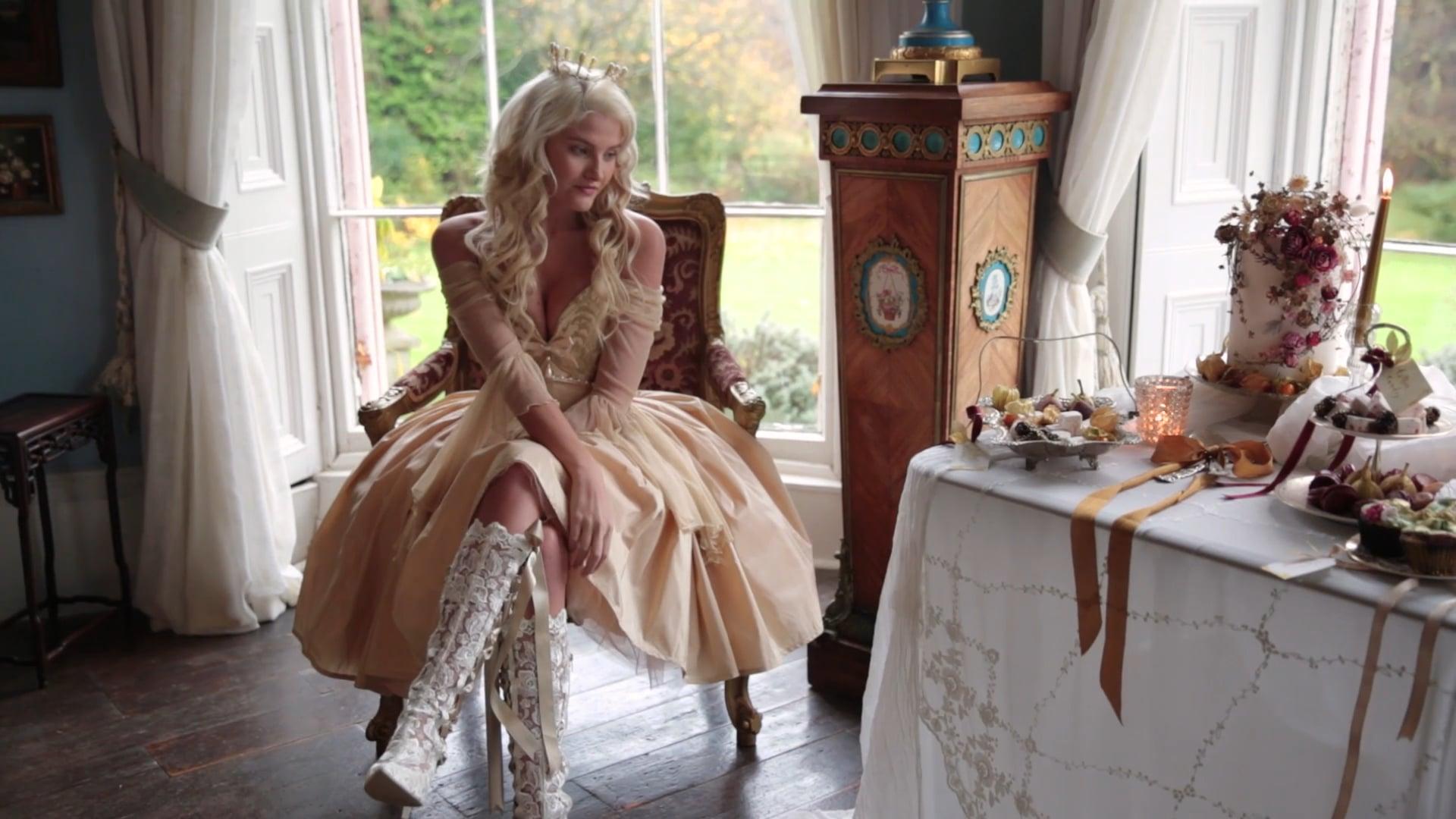 Romantic 18th Century - Styled Shoot
