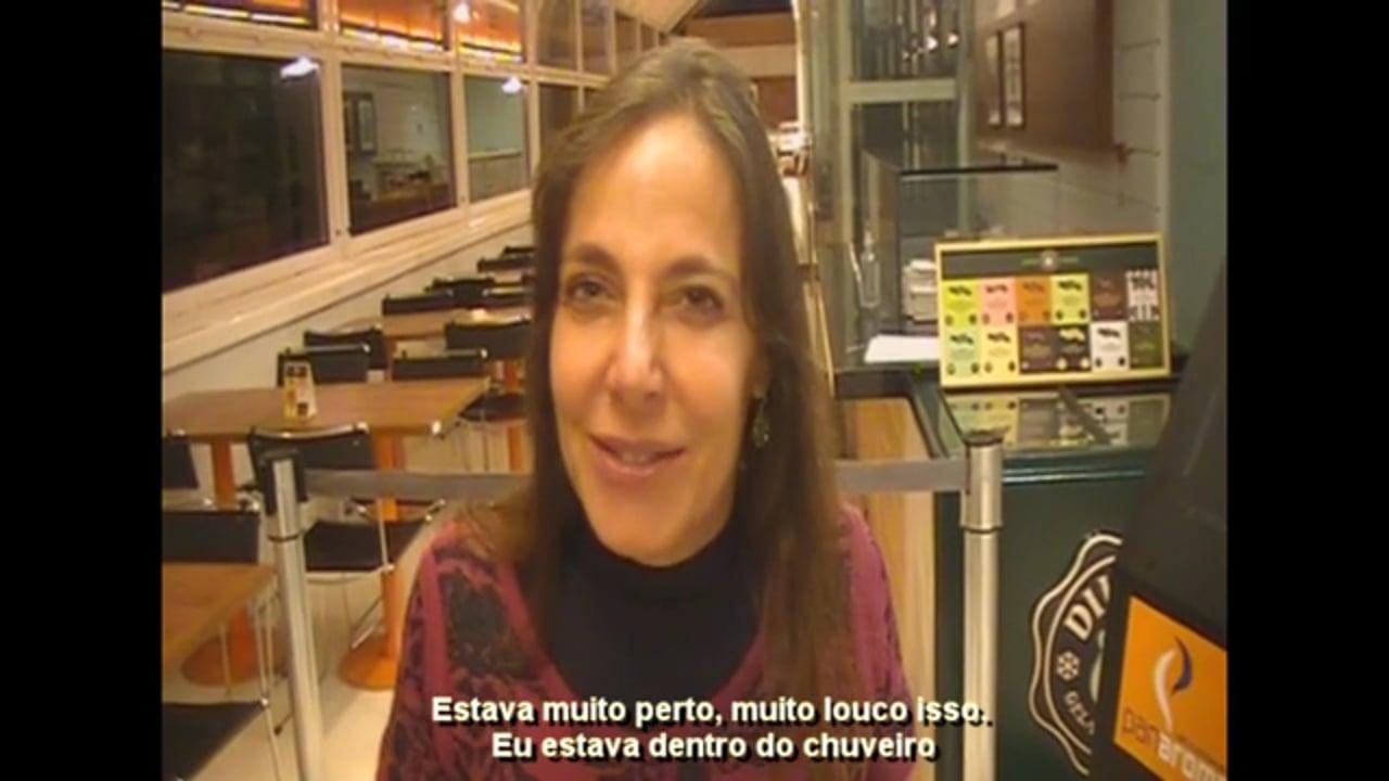 Mara Gabrilli fazendo um depoimento sobre o Teatro Cego