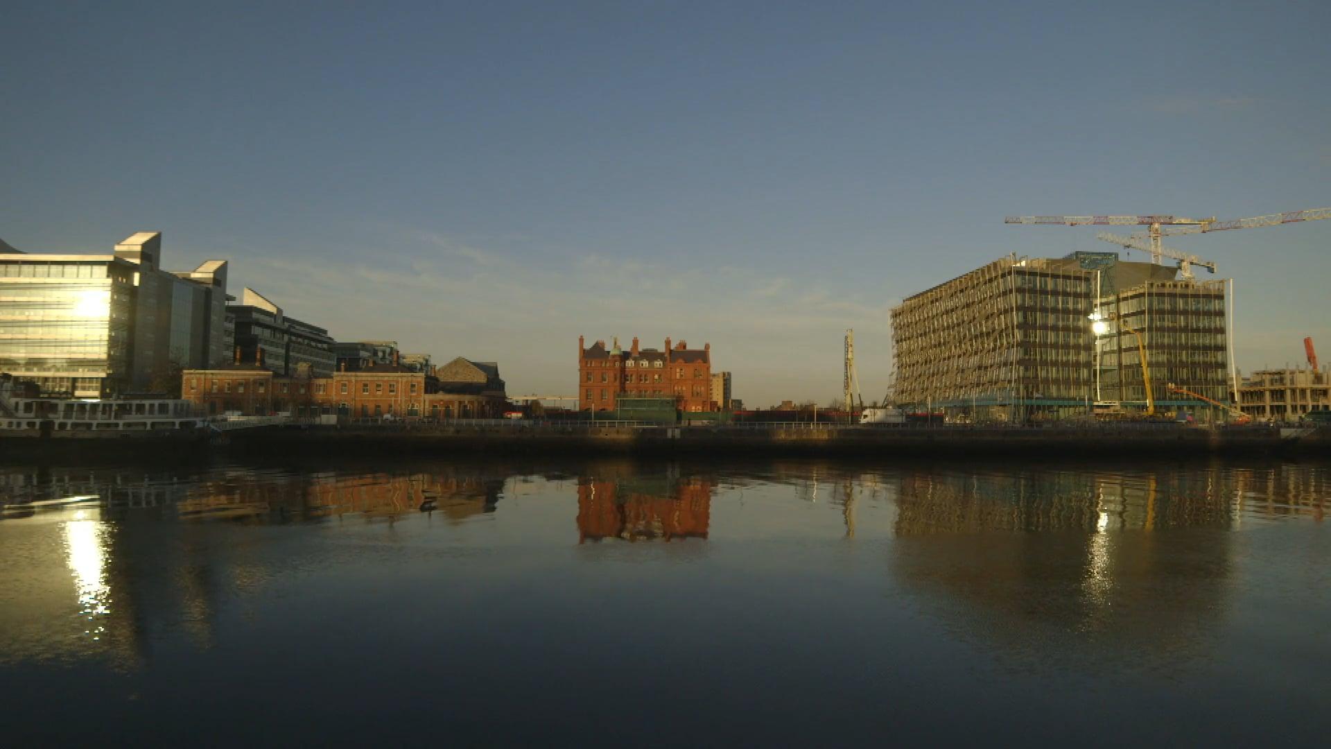 "Nationwide ""Docklands"" feat.Facebook"