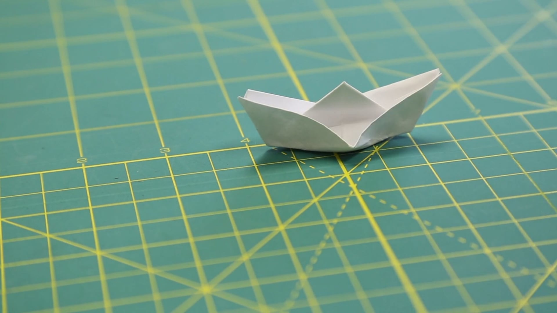 little minutes series: paper/boats