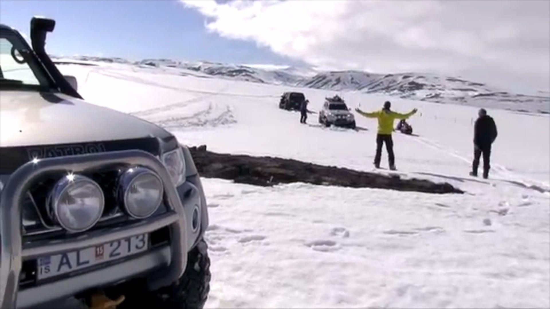 IceTour safari med Super Jeep og snowmobile