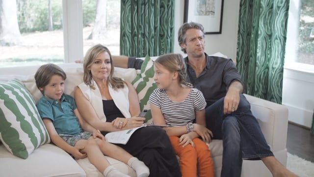 Samsung - Play the Smart Hub with The Holderness Family