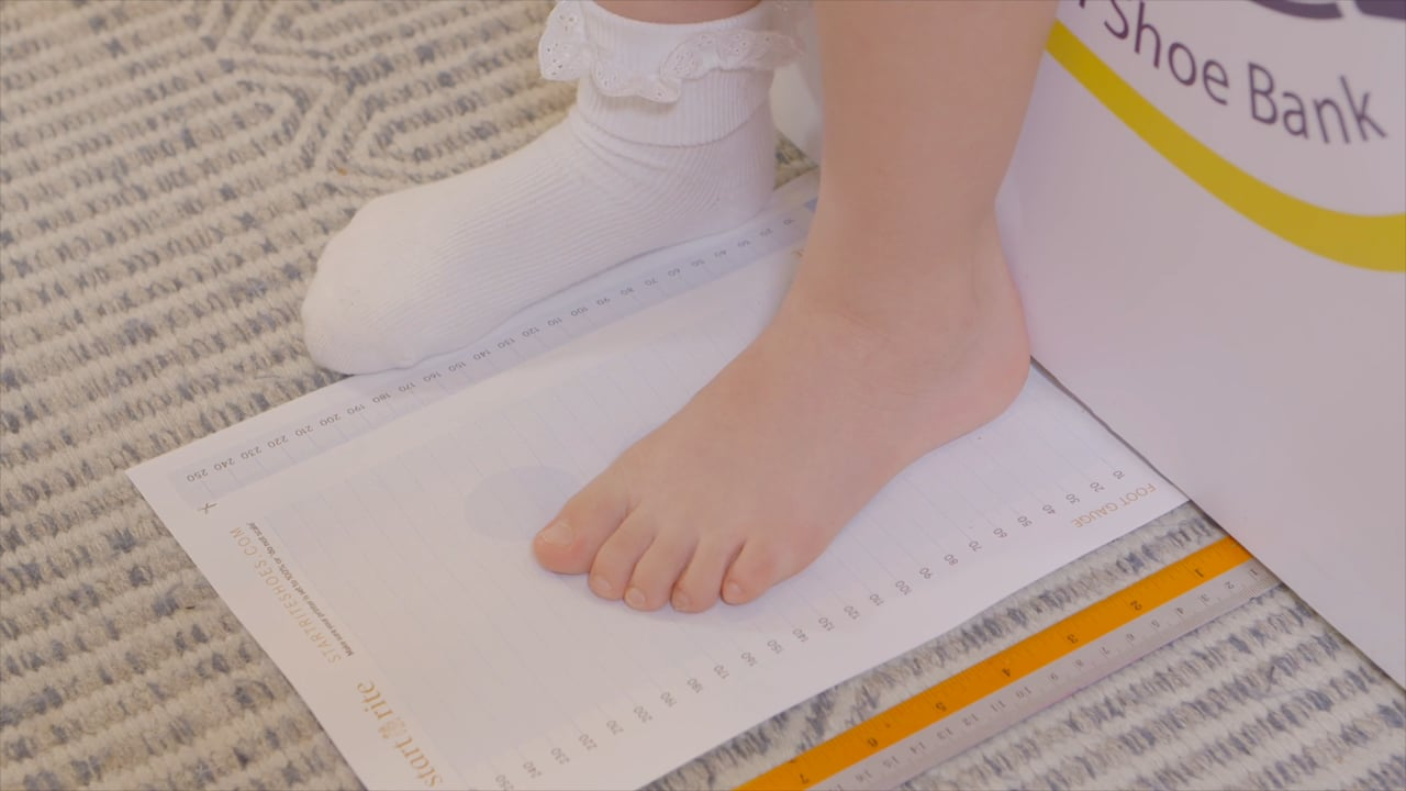 How to Measure Your Children's Feet at Home