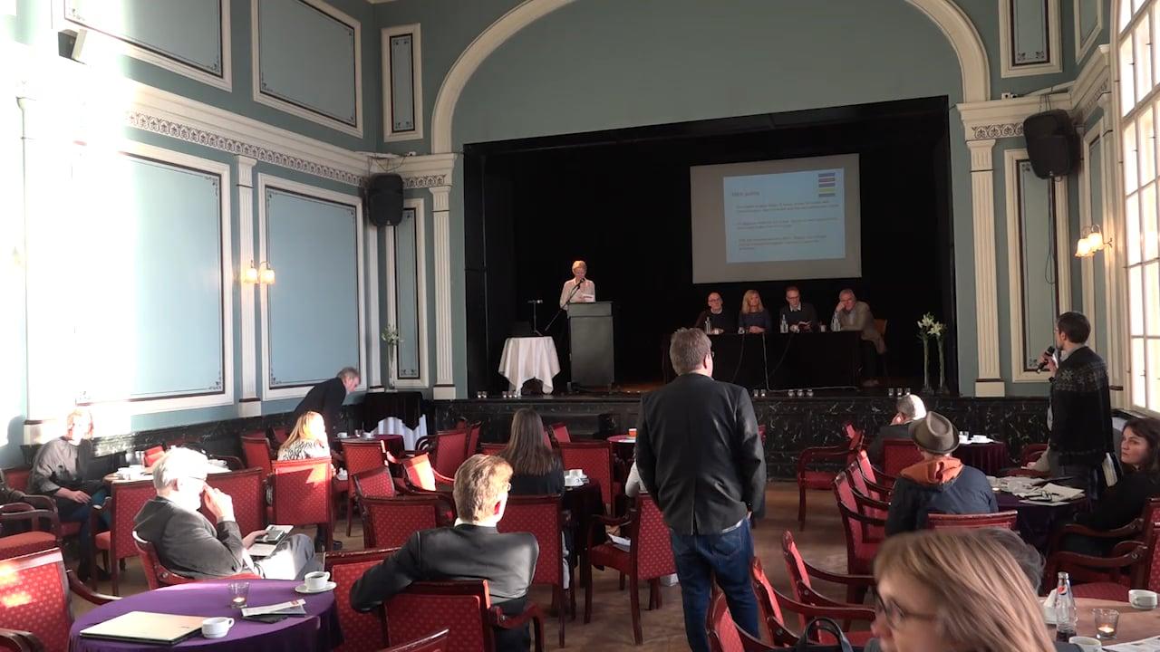 A. Pallborðsumræður (e. panel discussion). Fundarstjóri: Arna Schram