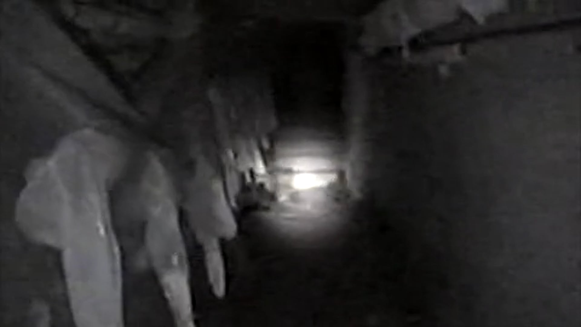 Danvers State Hospital tunnel exploration 2001