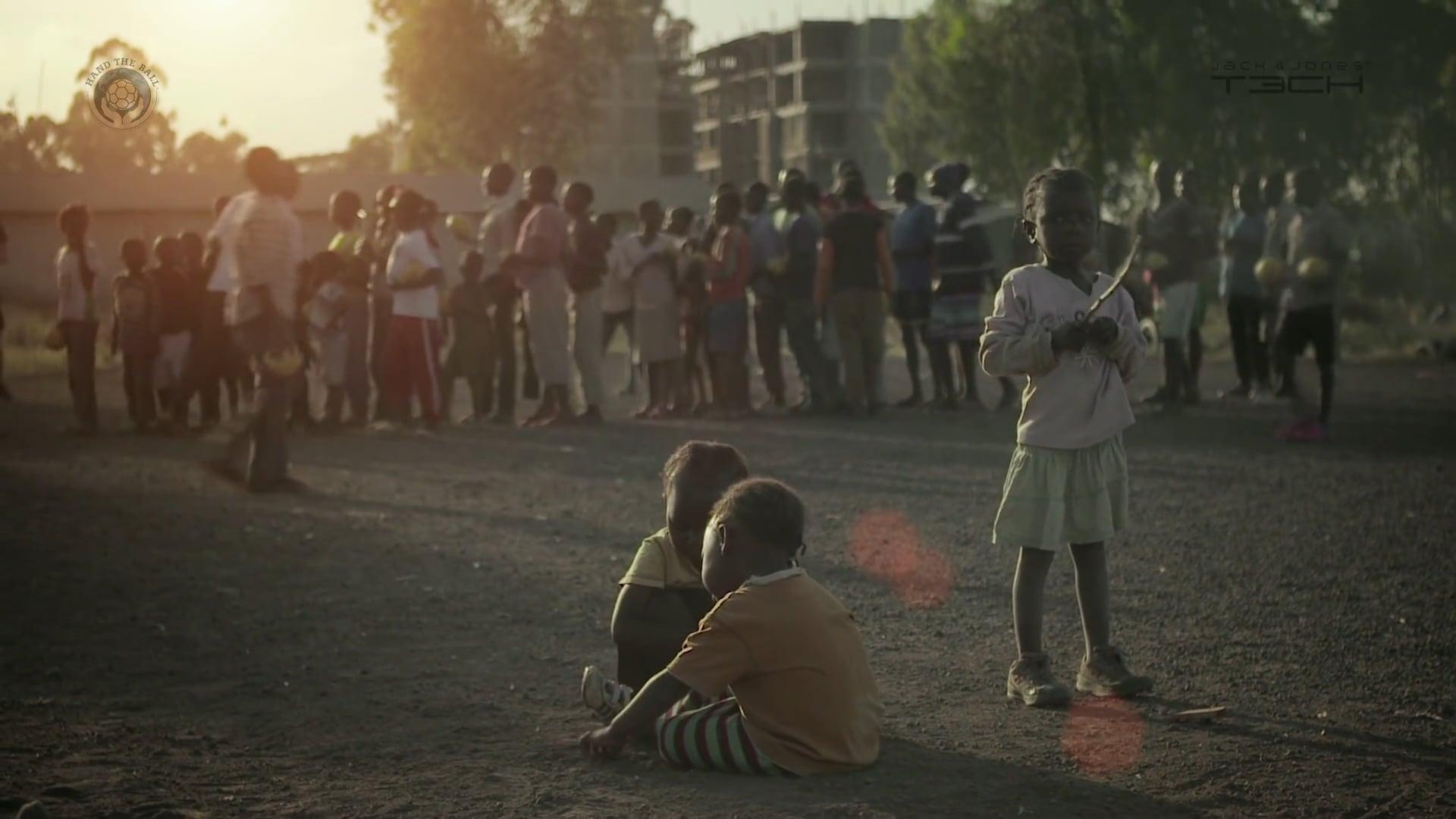 Slums Of Nairobi | It Helps
