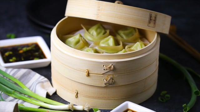 How to fold dumplings