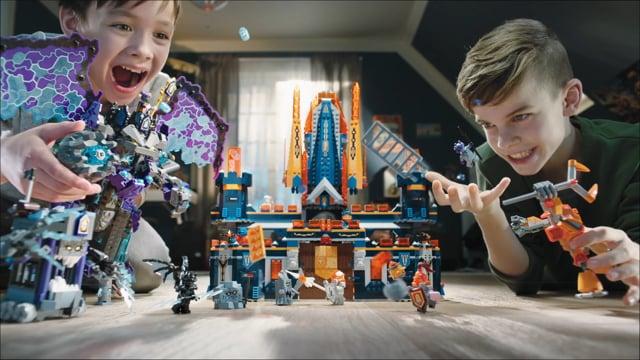 LEGO StoneColossusVSKnightonCastle