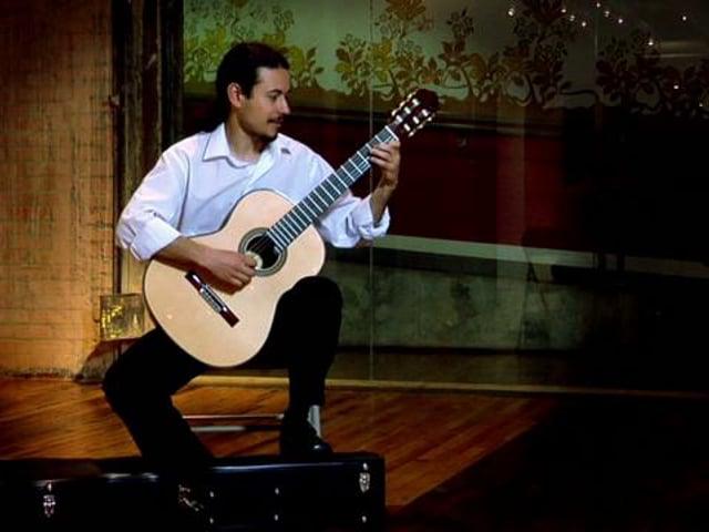 """Eduardo Minozzi Costa plays """"Tempo de Criança"""" by Dilermando Reis"""