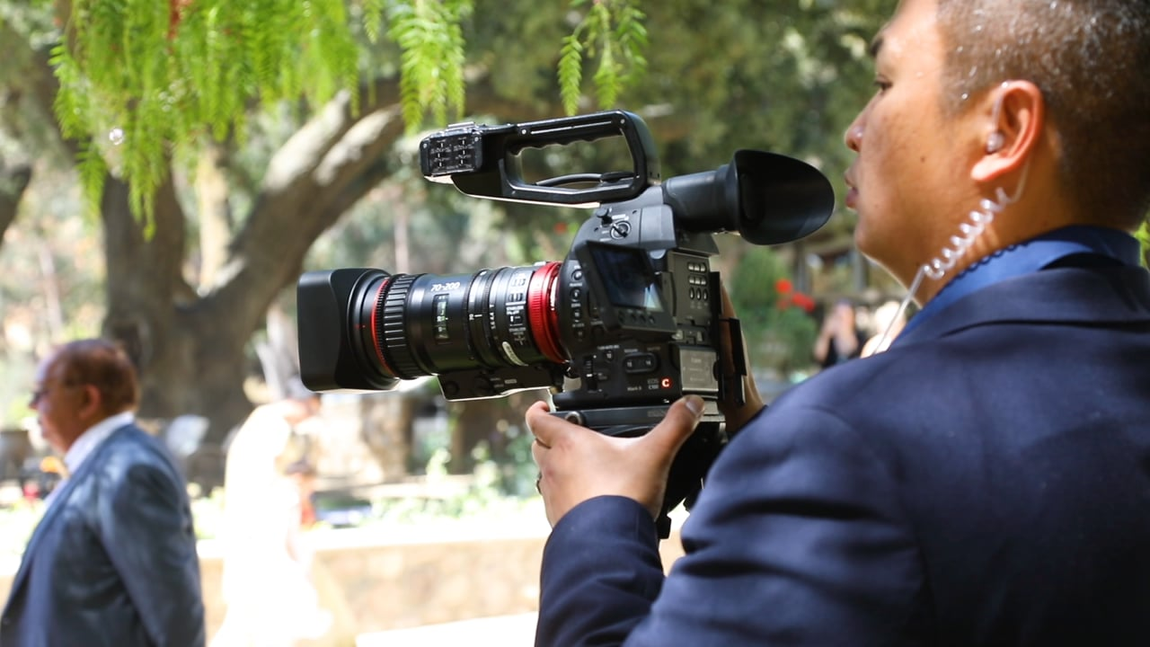 Canon COMPACT-SERVO 70-200mm Wedding Footage - Boffo Video