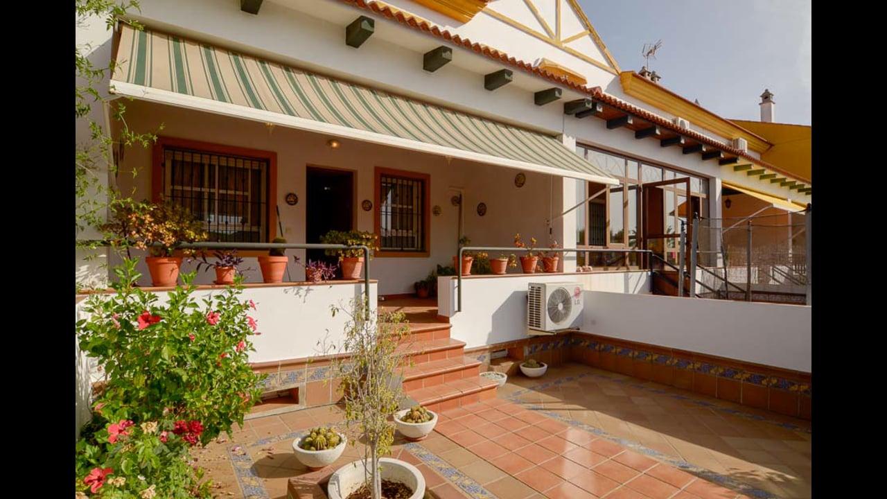 Casa en Aljaraque de 4 Dormitorios