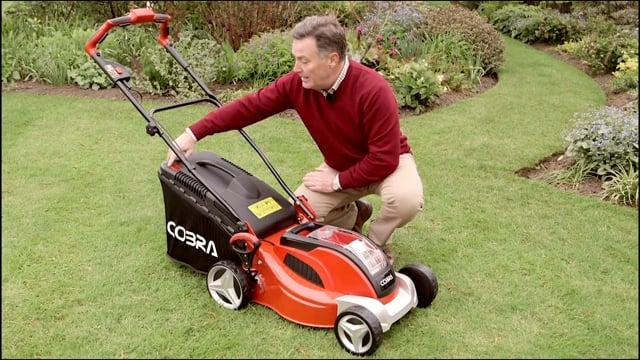 COBRA MX4140V Cordless Lawnmower