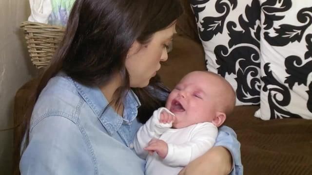 Cómo lidiar con un bebé que llora (Coping with a Crying baby)