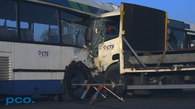 CTS Anti-Terror Tests - Truck hits a Bus - pco.dimax