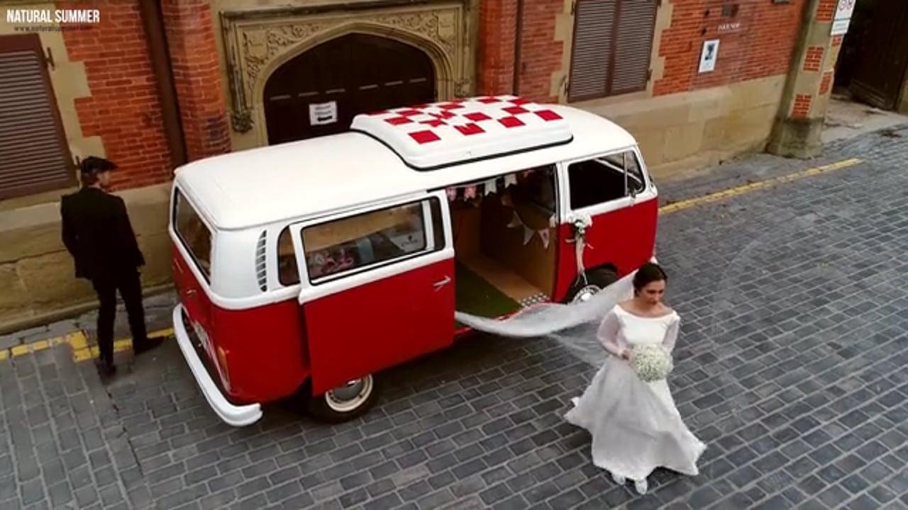 Natural Summer Boda con furgoneta antigua Volkswagen en Palacio Miramar  y tamborrada en Hotel Gudamendi Donostia