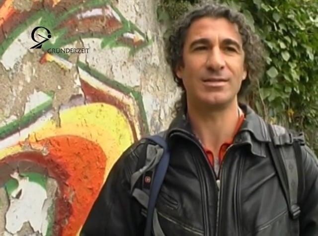 """Israel Dayan reports on his painting """"All the Walls of the World"""""""