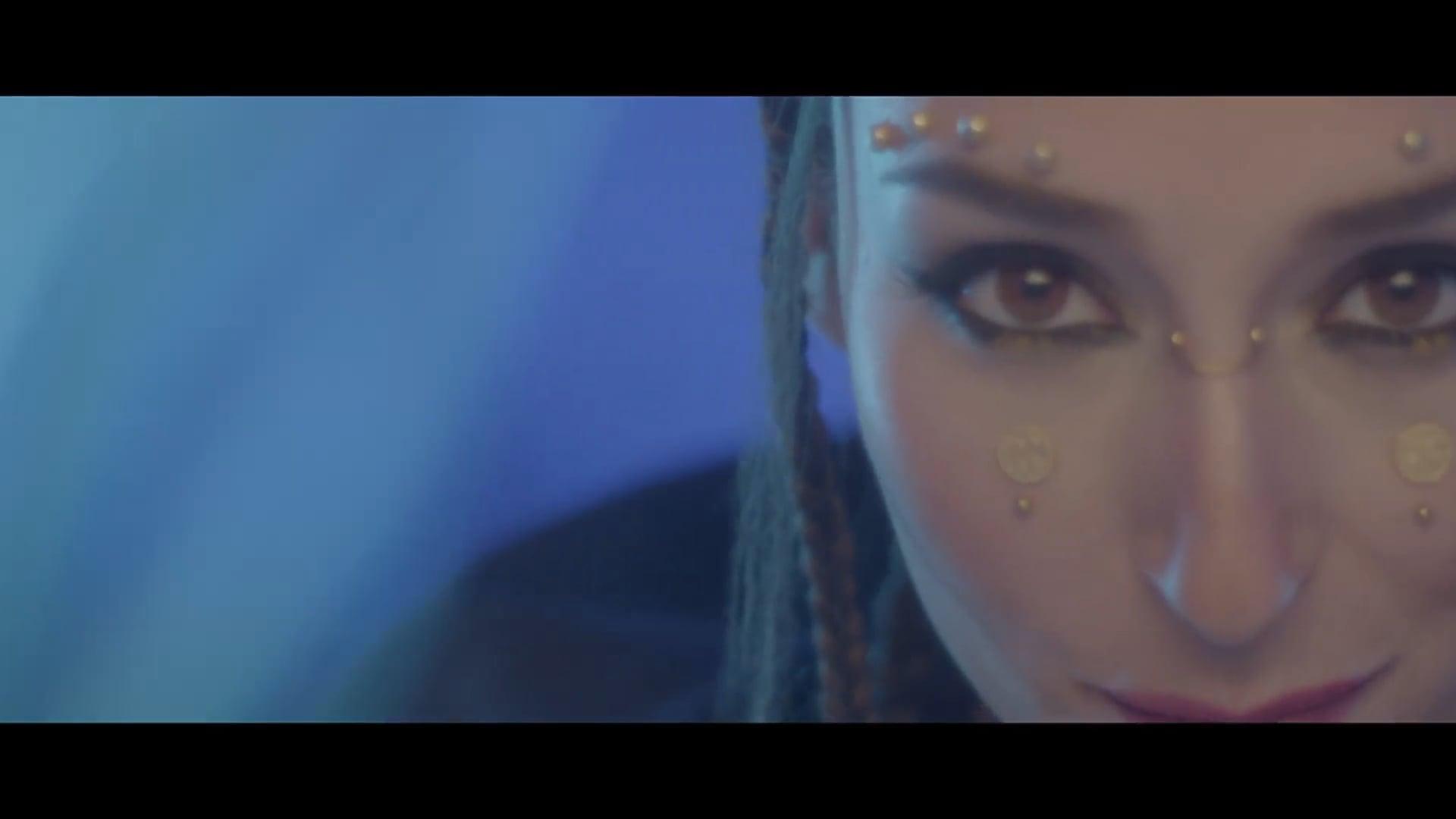 """IZAH """"Tropical"""" - Videoclip"""