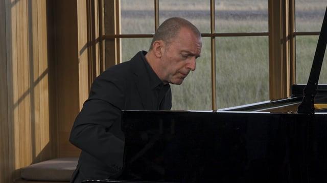 Pedja Muzijevic plays C.P.E. Bach: Sonata in G minor, Wq. 65/17