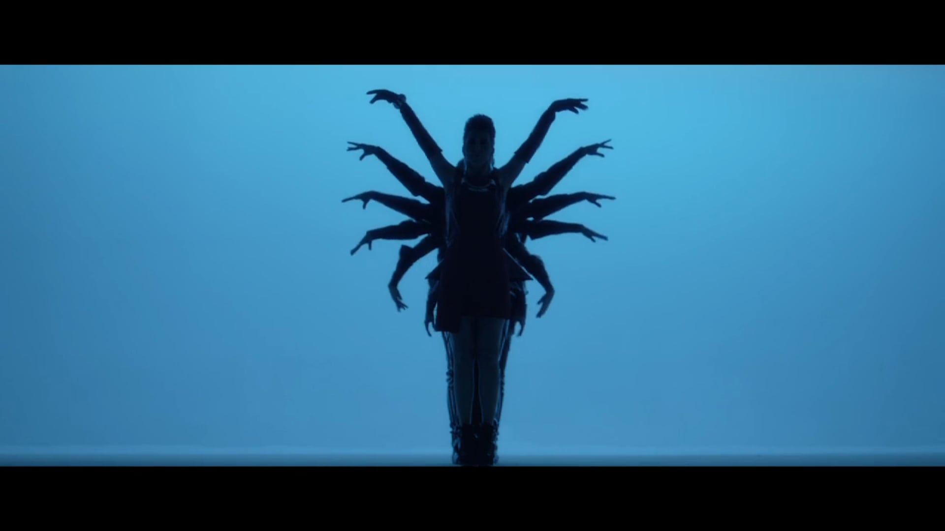 Senol Korkmaz - Hande Yener Directors Cut Teaser