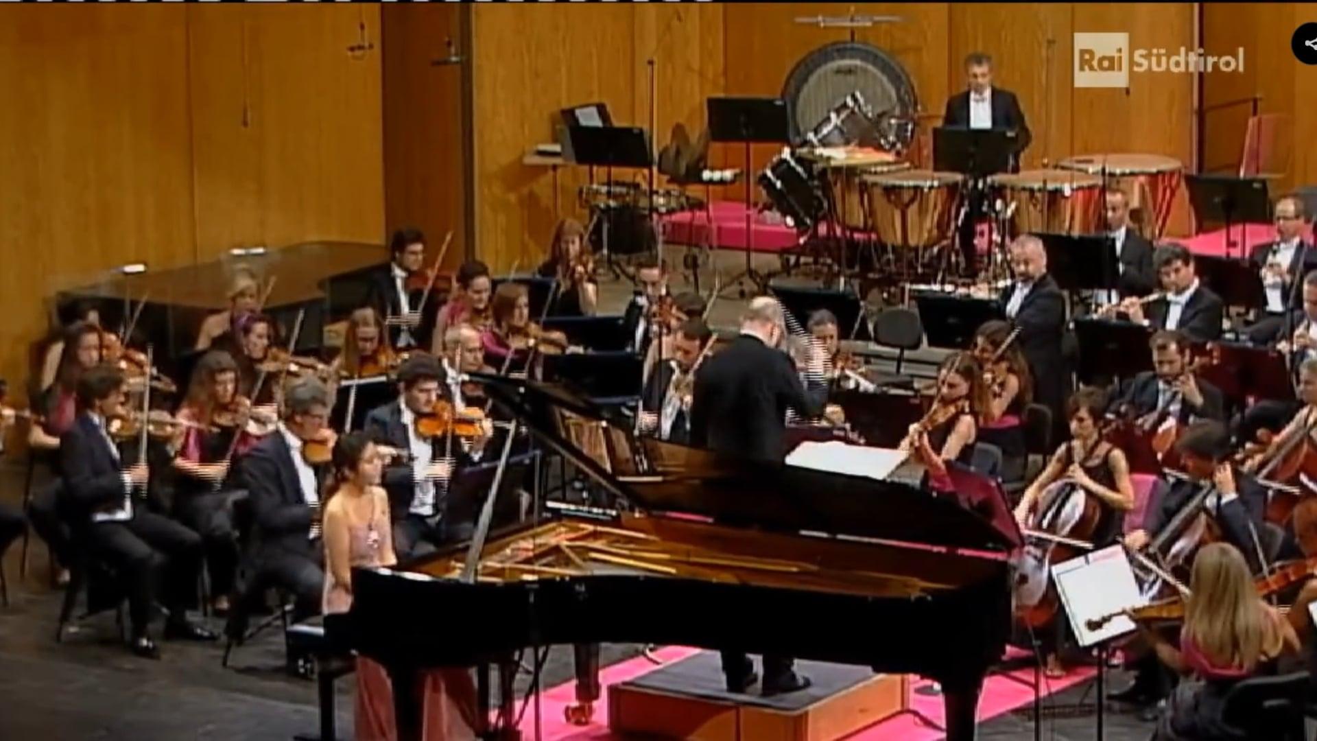 Ji-Yeong Mun- Chopin Piano Concerto No.2 in F minor Op.21 - © Chopin