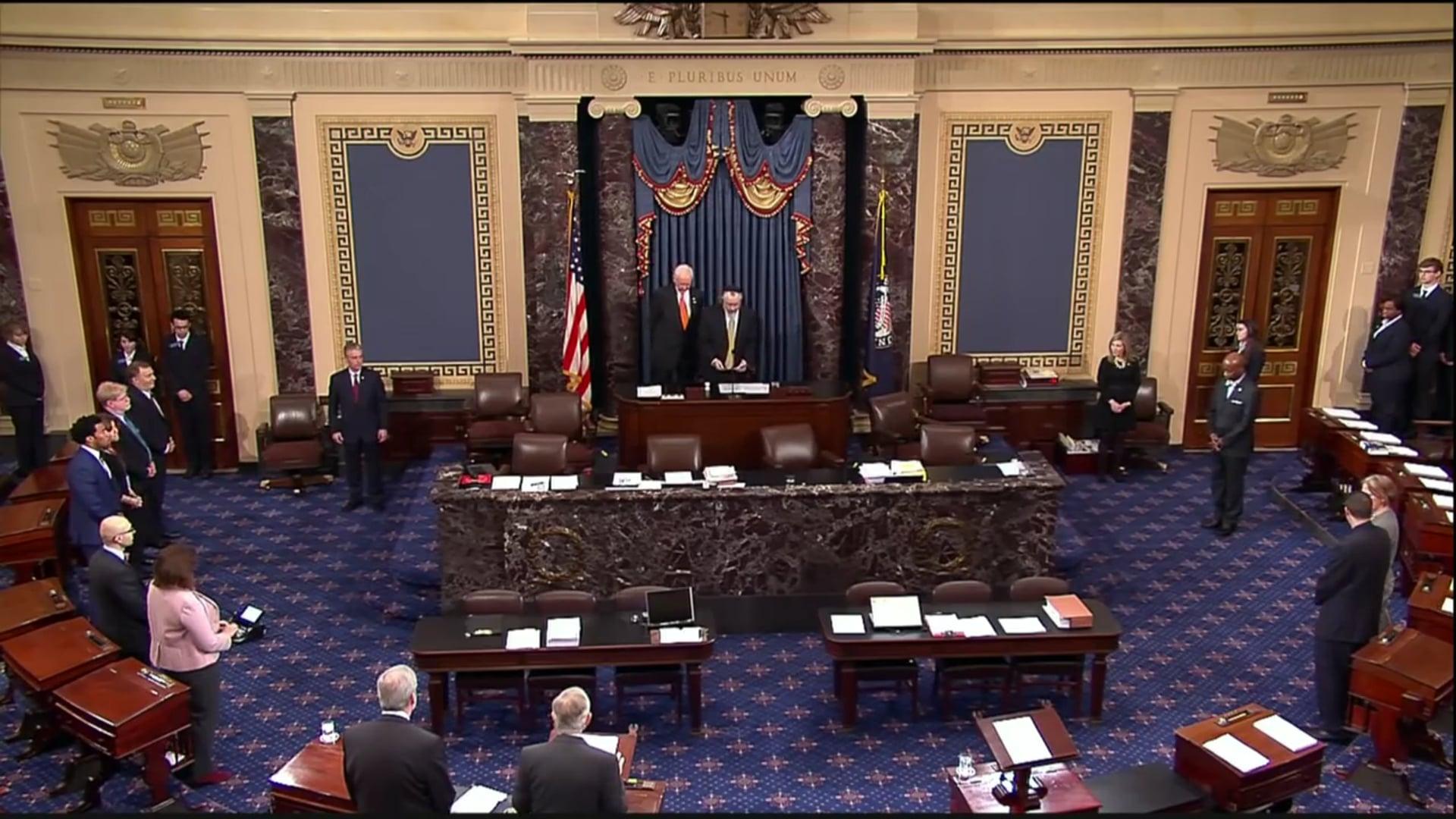 Rabbi Yosef Greenberg Opens Senate With Daily Prayer