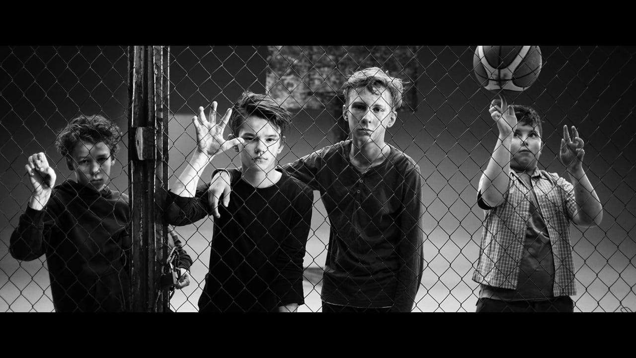 Brainstorm - Par to zēnu, kas sit skārda bungas. MUSIC VIDEO