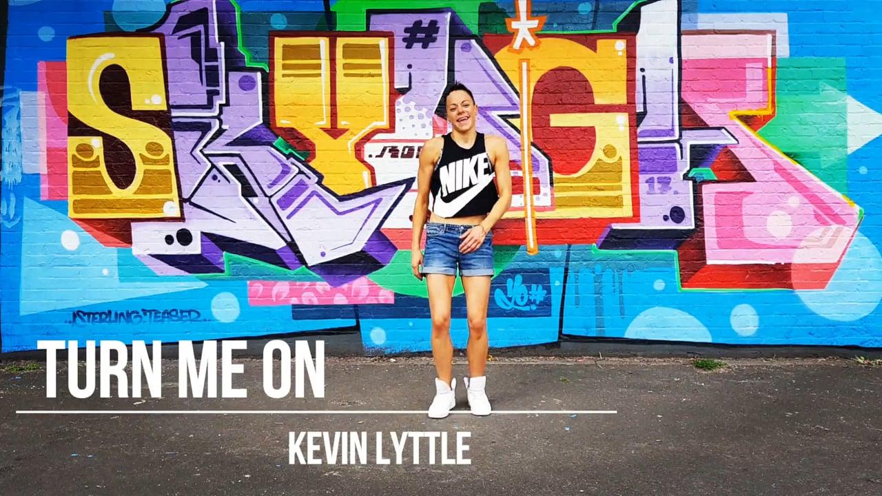 Turn Me On, Kevin Lyttle EASY