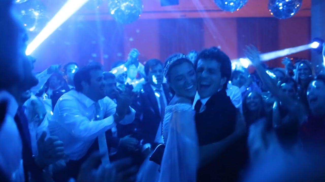 """""""...Cuando hacen algo, lo único que puede pasar es algo divertido.."""" Wedding Bite Cami Gonzalez La Greca-Fer Gonzalez Oliva"""