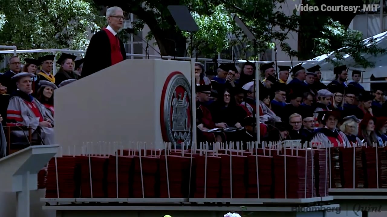 5 Key Moments from Tim Cooks Commencement Speech At MIT