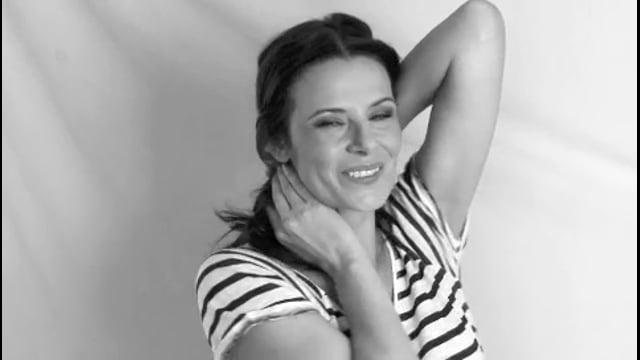 Simone Dericks video intro.m4v