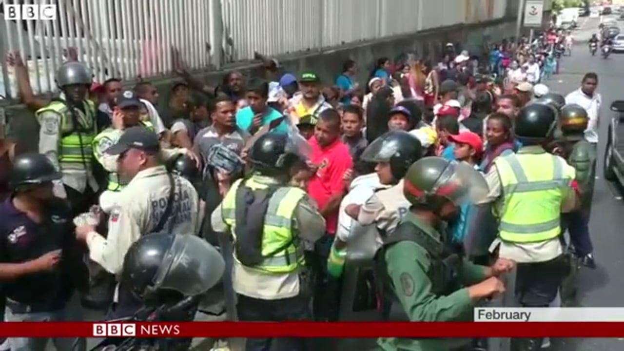 Venezuelans Desperate stream into Colombia to buy food