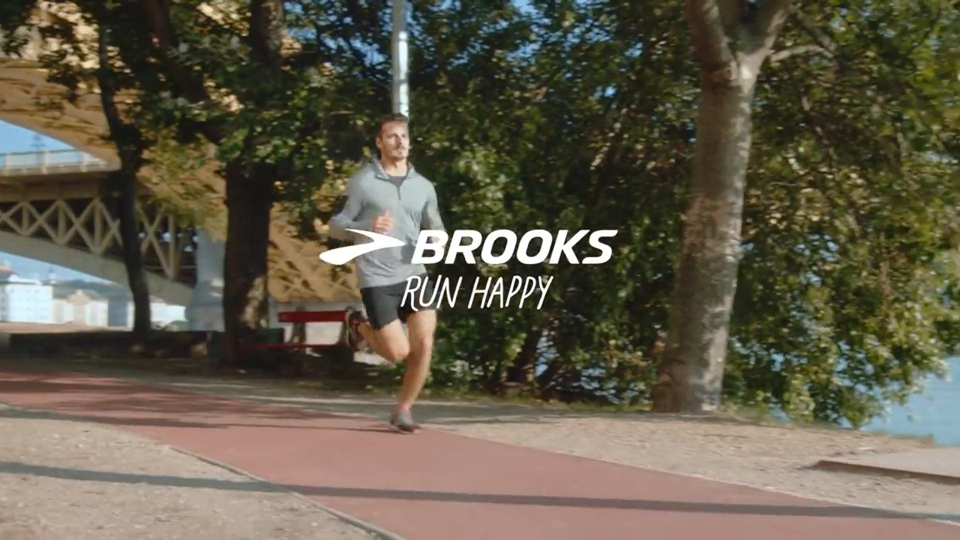Brooks Sports Run Happy