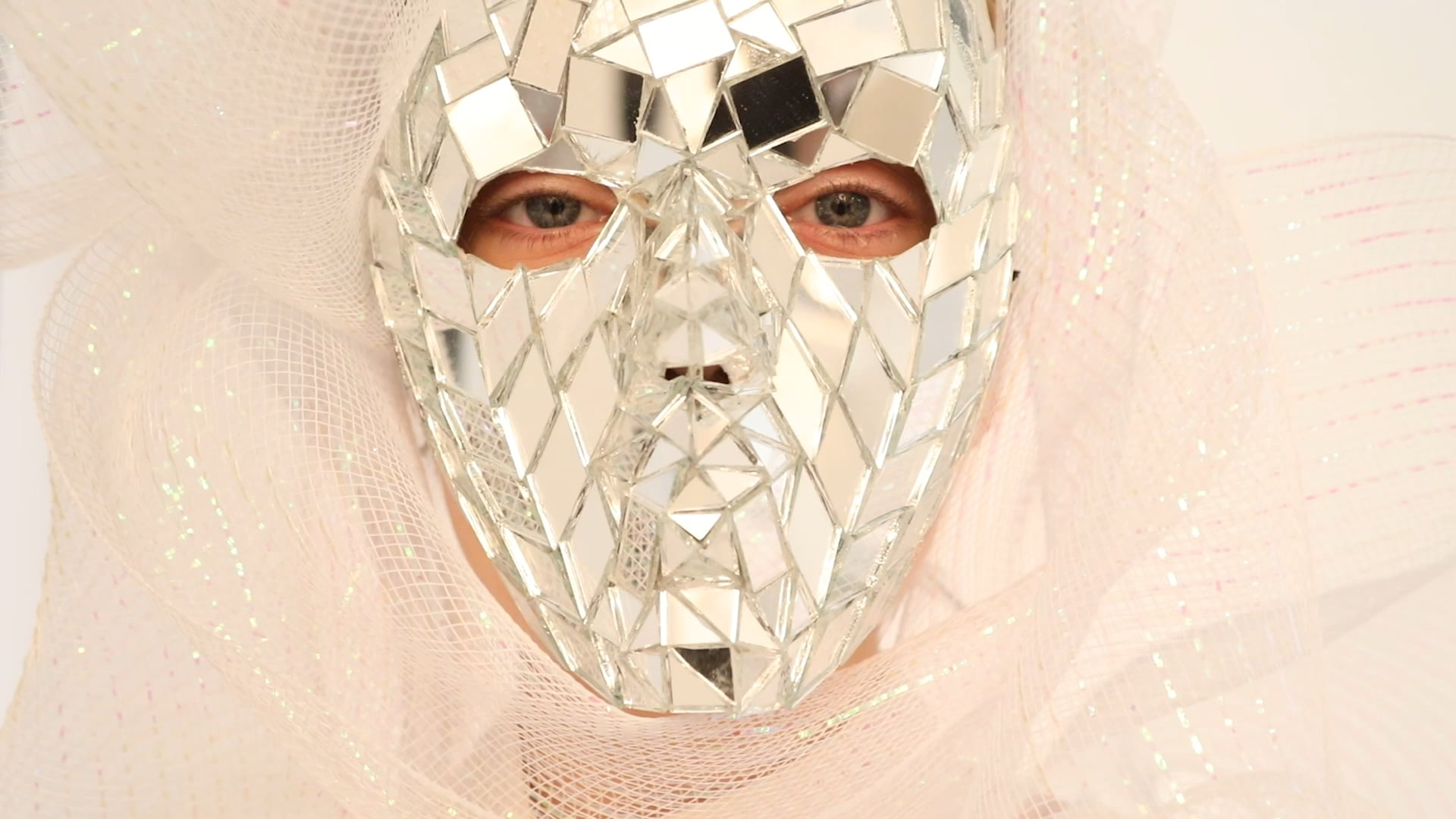 jamie-nelson-mirrored-mask-lullaby-film