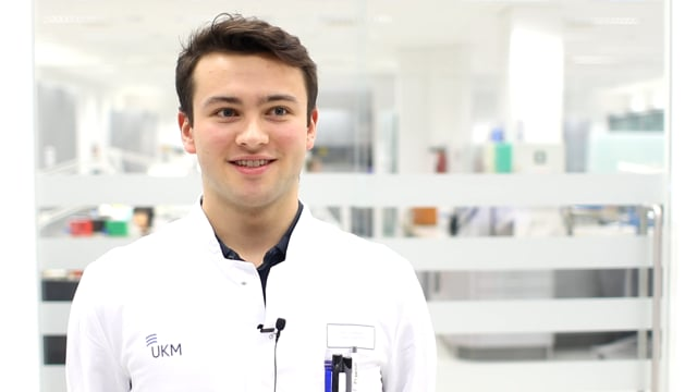 UKM-Karriere-Vlog: Zahntechnik im UKM Dentallabor