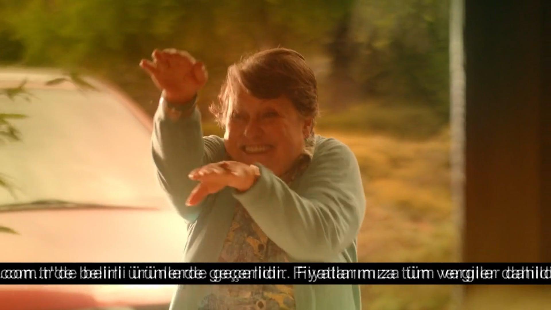 Ezel Akay -Media Markt Anneler Günü TVC