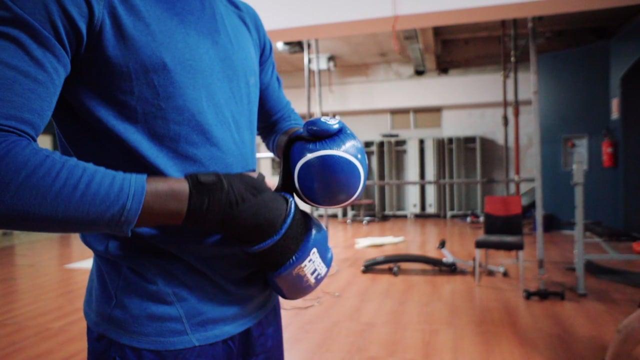 Boxing Bet, a video by Giovanna Ceno & Matteo Bontempi