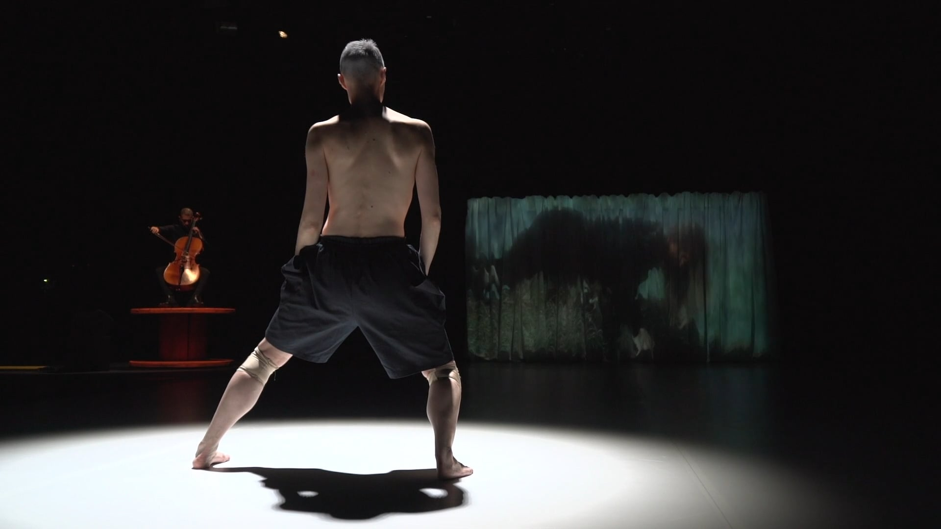 'Crossing Latitudes' - Dance Performance - Espoo City Theatre, FINLAND - Choreographer: Favela Vera Ortiz