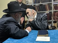 "Harav Dovid Soloveichik Z""TL  tells the Waterbury Rosh Yeshiva Shlita a powerful life message to give over"
