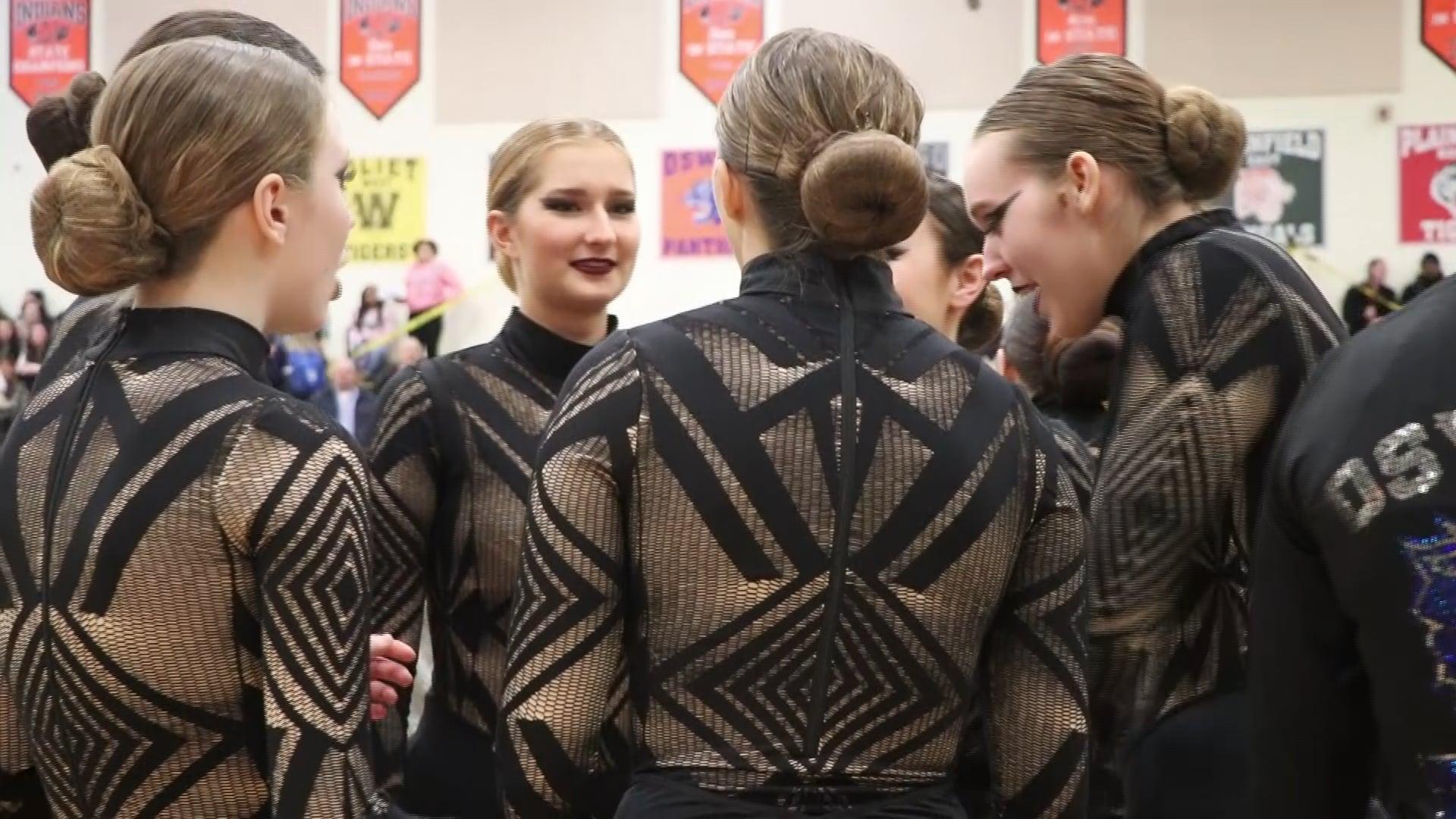Oswego East Varsity Dance 18-19