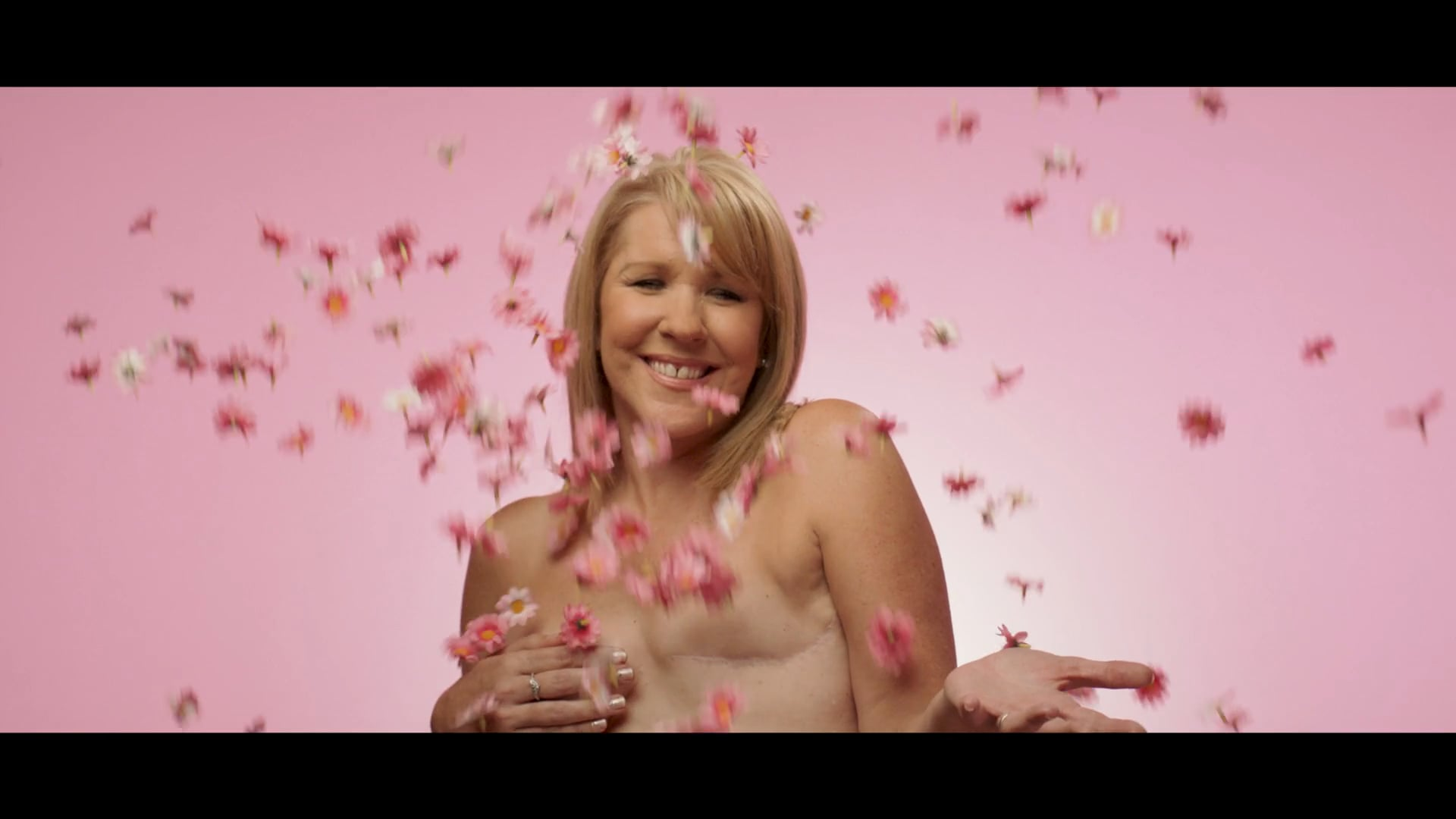 BREAST CANCER AWARENESS - Campaign - Stella McCartney