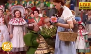 Pat's Never Seen Wizard of Oz, Alison Performs Special Song
