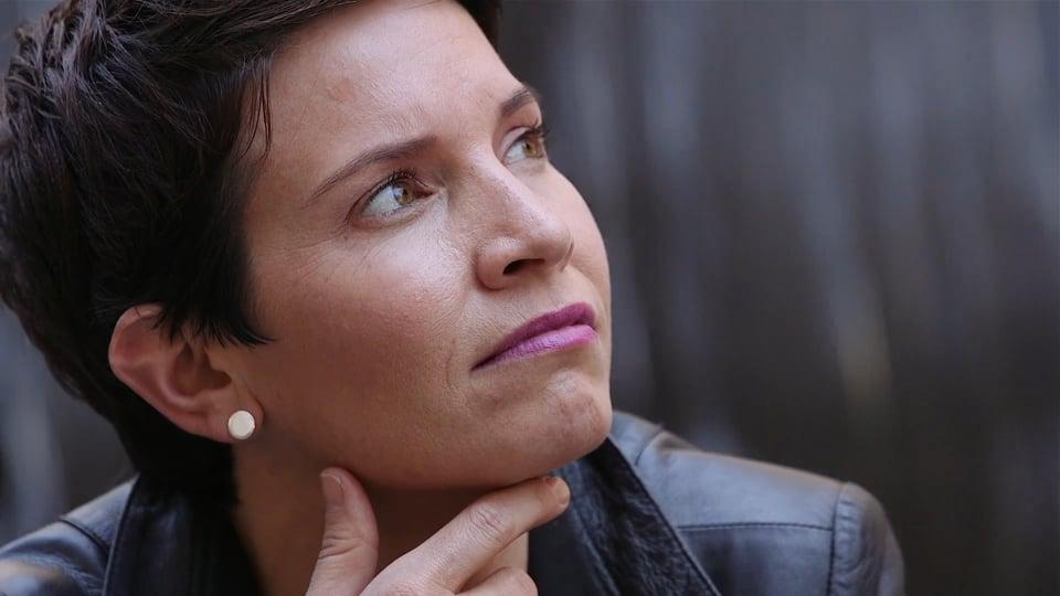 Dr Emily Verstege – Speaker and Personal Brand Showreel