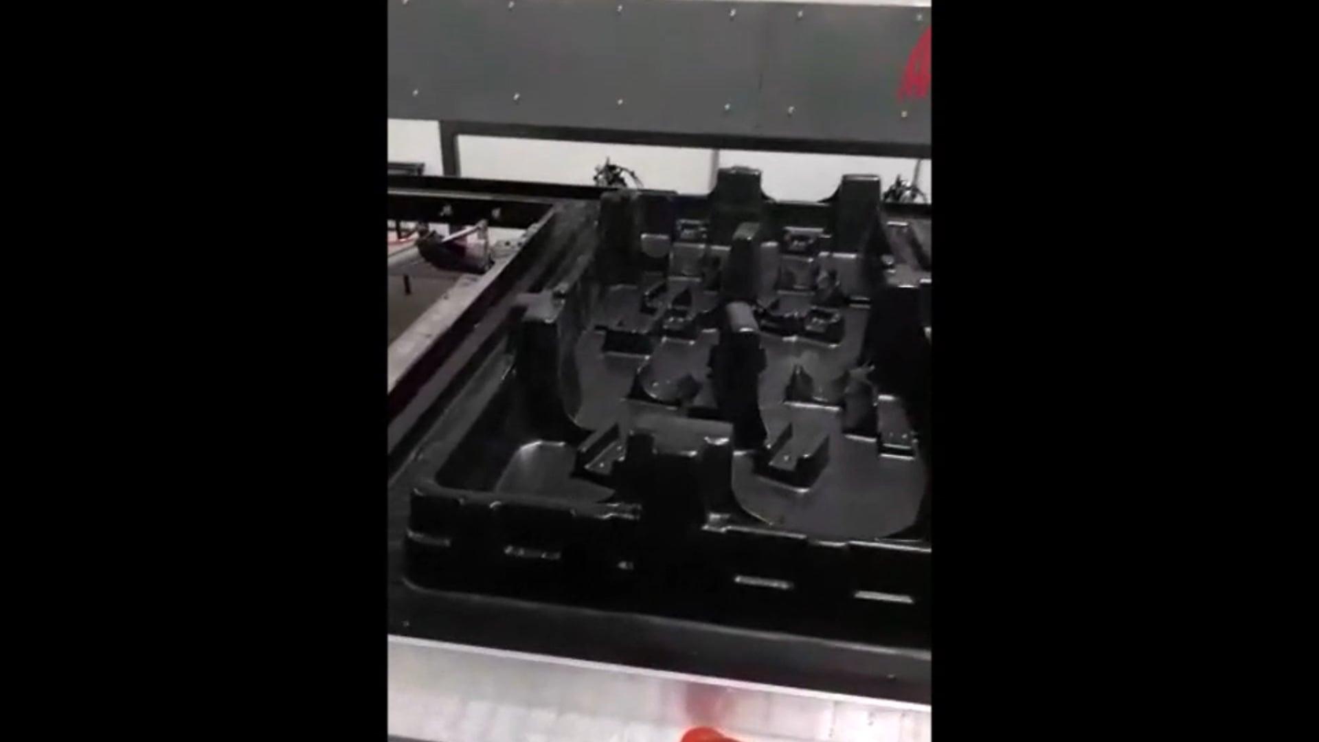 Avan-Tec T5500 Thermoforming Working