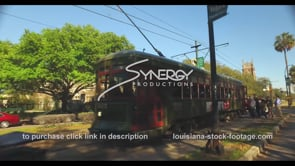 1095 passengers loading onto a New Orleans street car