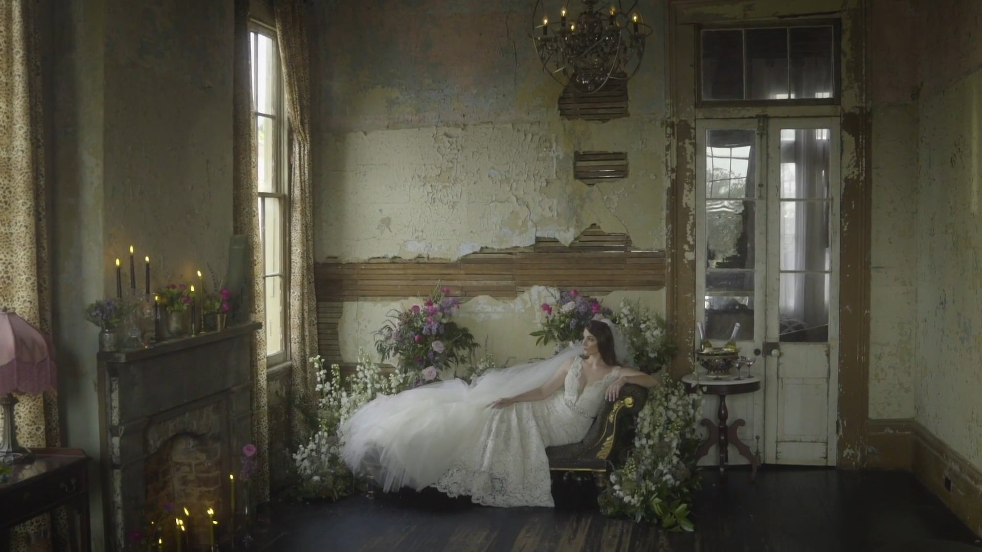 A Hauntingly Beautiful Styled Shoot in Old Treme | The Seraphim House
