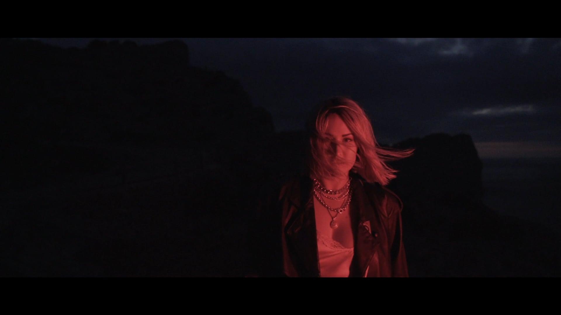 Molly Sandén - Det bästa kanske inte hänt än (Directors Cut)