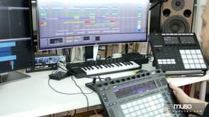 Podstawka pod kontroler MIDI